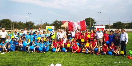 спільне фото гостей та команд з футболу, волейболу