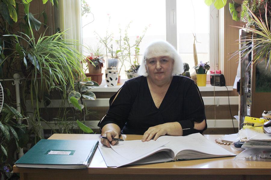 Петрова Тетяна Михайлівна - паспортист - діловод Усатівської сільської ради