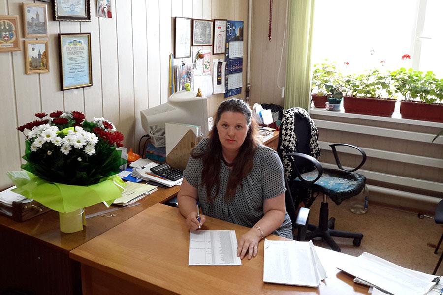 Марушевська Наталія Леонідовна - заступник інспектора ВОС (военно-облікового столу) Усатівської сільської ради
