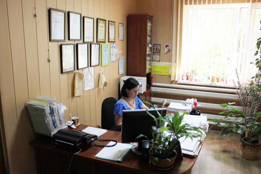 1 Добровольська Светлана Владіславівна - секретар виконкому Усатівської сільської ради